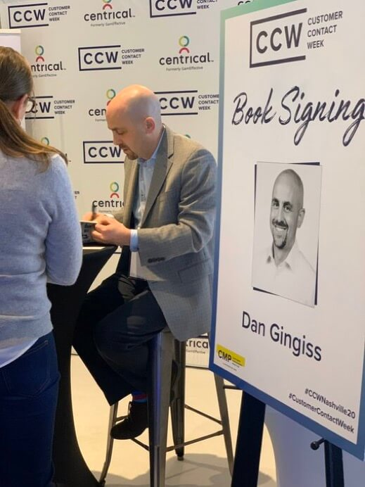 Dan Gingiss signing books